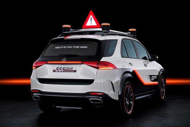 Mercedes GLE mới bổ sung loạt công nghệ an toàn mới a4