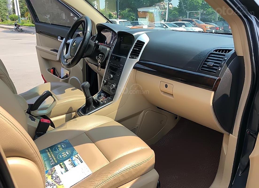 Gia đình bán lại xe Chevrolet Captiva LT 2.4 MT đời 2008, màu xám -2