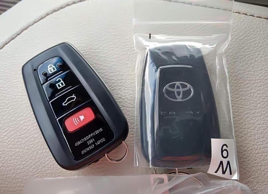 Bán Toyota Camry năm 2019, màu đen, nhập khẩu  -2