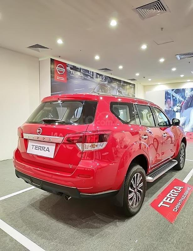 Bán Nissan Terra V 2.5 AT 4WD sản xuất năm 2018, màu đỏ, 2 cầu, máy xăng số tự động-0