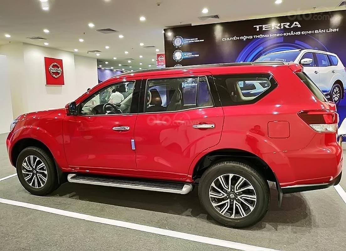 Bán Nissan Terra V 2.5 AT 4WD sản xuất năm 2018, màu đỏ, 2 cầu, máy xăng số tự động-4