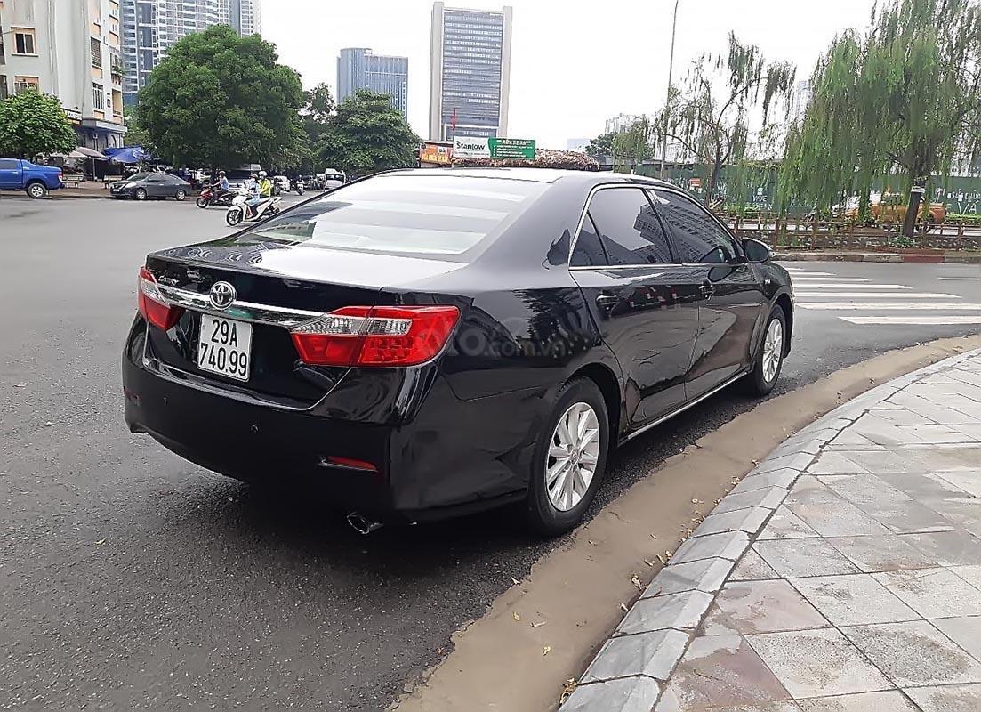 Bán Toyota Camry 2.0E 2013, màu đen, xe gia đình-4