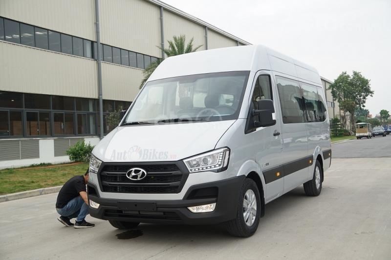 Xe khách Hyundai Solati 16 chỗ, đời 2019, khuyến mãi 60tr và nhiều quà tặng phụ kiện hấp dẫn. Hotline: 0907.239.198-1