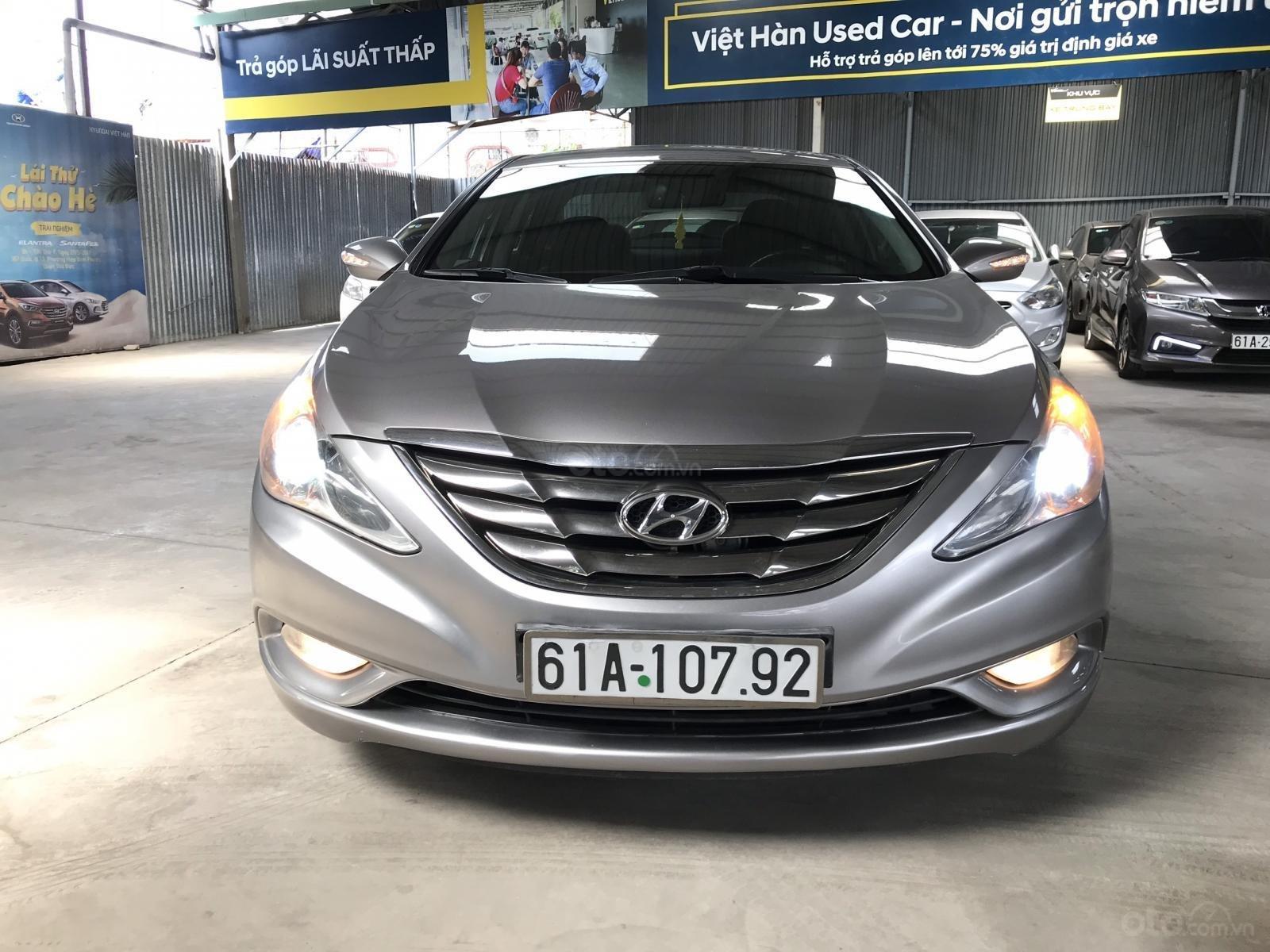 Bán Hyundai Sonata 2.0AT màu bạc, số tự động, nhập Hàn Quốc, biển Bình Dương, đi 88000km (6)