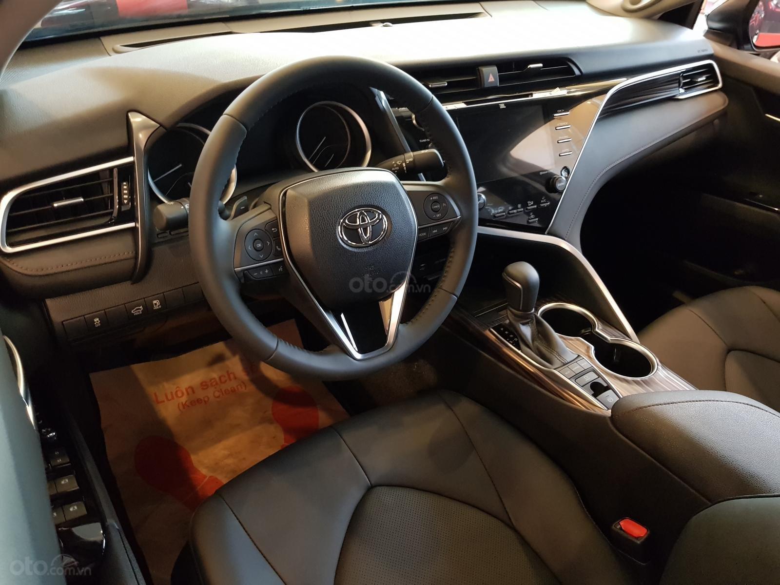 Bán ô tô Toyota Camry 2.5Q năm 2019, màu đen, nhập từ Thái-9