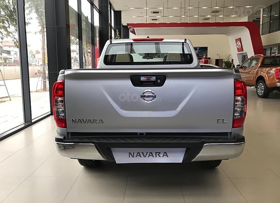 Bán Nissan Navara EL năm sản xuất 2018, màu bạc, nhập khẩu -1