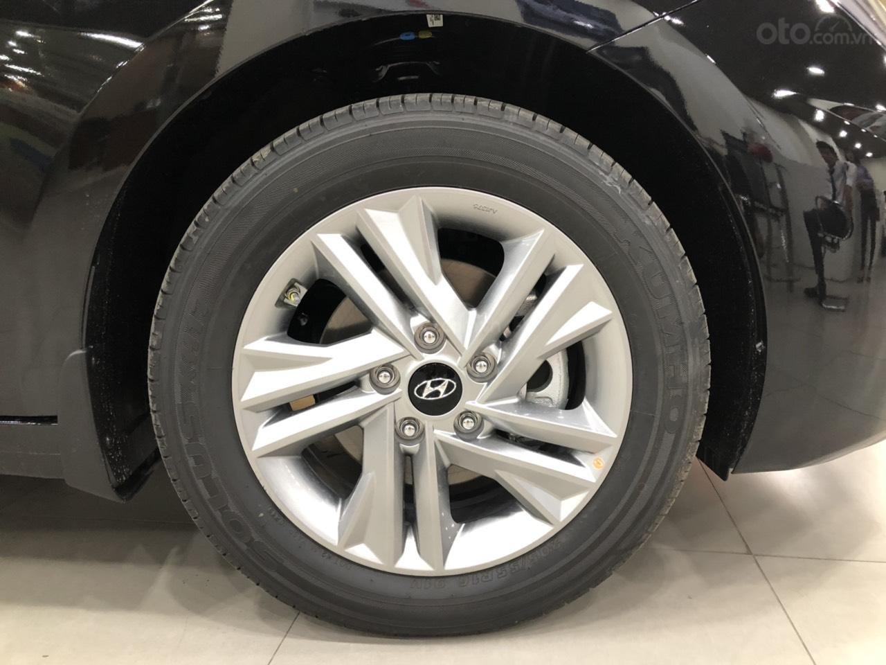 Hyundai Elantra 1.6 AT Facelift new 2019 - KM lên tới 20 triệu - giao ngay - Ms Lan 0919929923 (7)