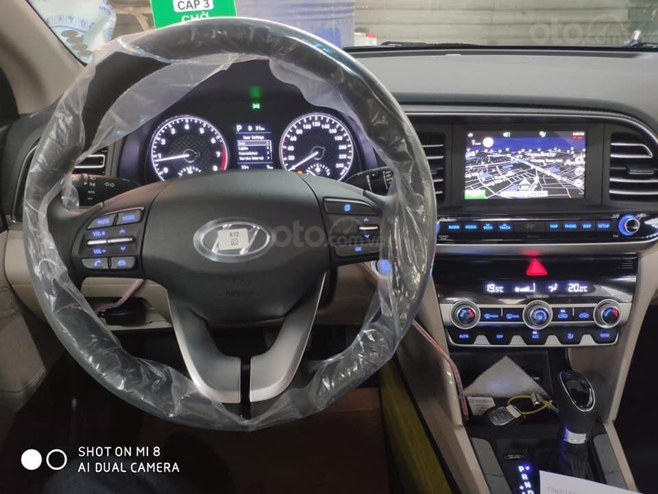 Hyundai Elantra 1.6 AT Facelift new 2019 - KM lên tới 20 triệu - giao ngay - Ms Lan 0919929923 (8)