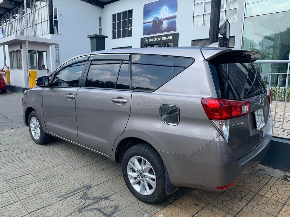 Bán xe Toyota Innova 2.0E, đẹp như mới đời 2017 giá tốt-3