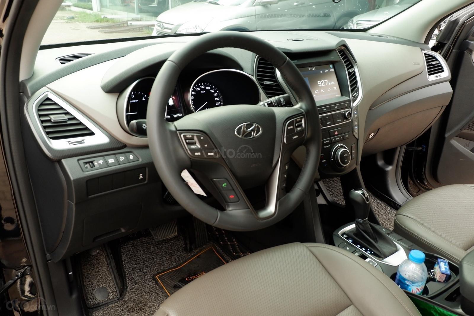 Bán ô tô Hyundai Santa Fe 2.2 CRDi Full năm 2018, màu đen-7