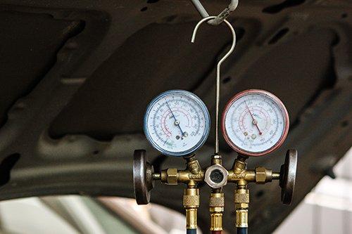 Nguyên nhân và cách chữa điều hòa ô tô không mát 2a