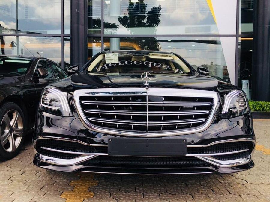 Đánh giá xe Mercedes-Maybach S560 2019 về thiết kế đầu xe a2