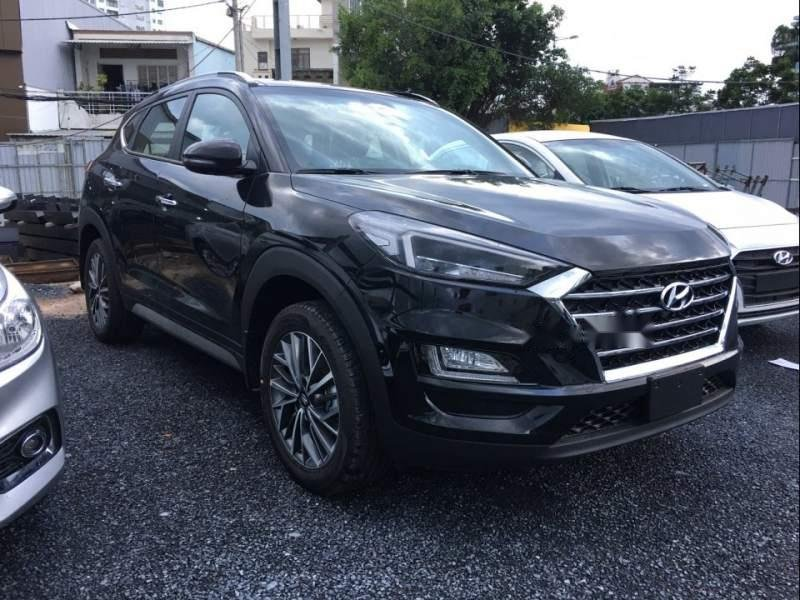 Bán xe Hyundai Tucson Facelift năm 2019, màu đen-0