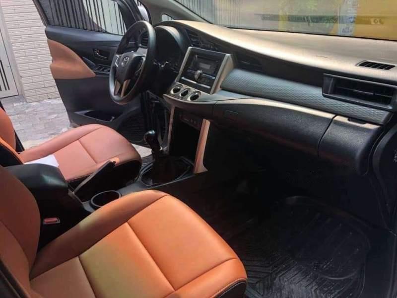 Bán Toyota Innova E sản xuất năm 2016 xe gia đình-1