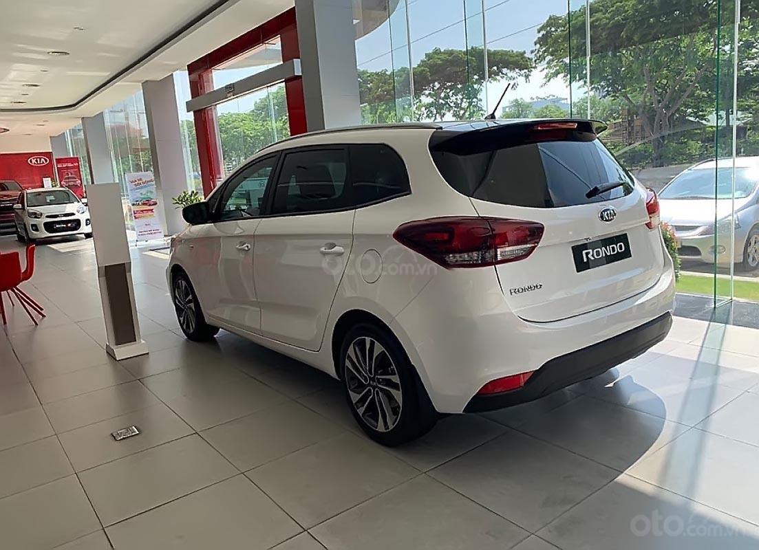 Bán ô tô Kia Rondo GMT sản xuất 2019, màu trắng, giá tốt-3