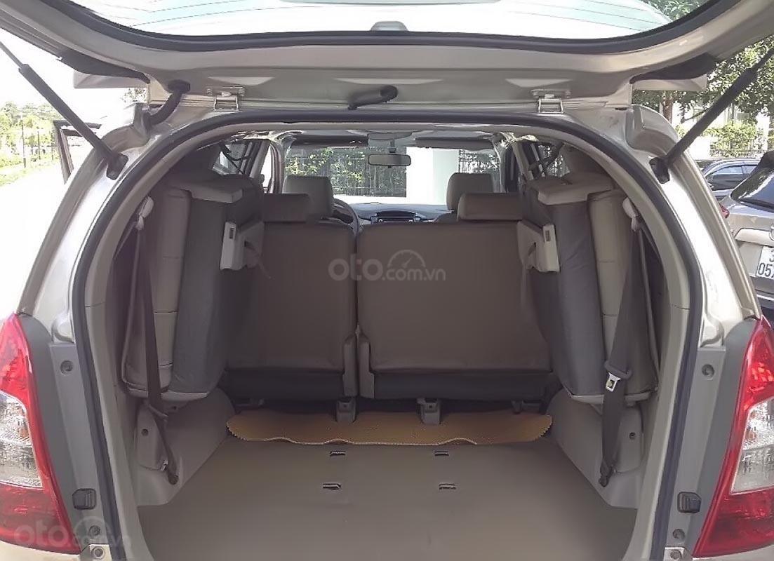 Xe Toyota Innova 2.0E năm 2015, màu bạc chính chủ, giá tốt-4