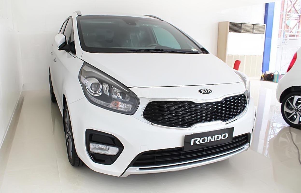 Bán Kia Rondo GAT sản xuất 2019, màu trắng-3