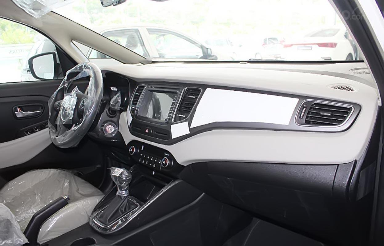 Bán Kia Rondo GAT sản xuất 2019, màu trắng-4