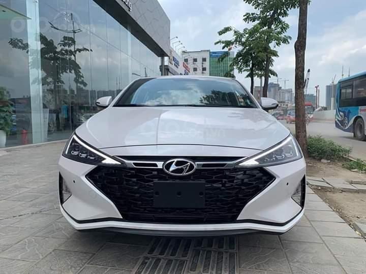 Bán Hyundai Elantra Facelift 2019 đủ các bản, giảm ngay 10tr tiền mặt, xe giao ngay liên hệ ☎ 0358406866-0