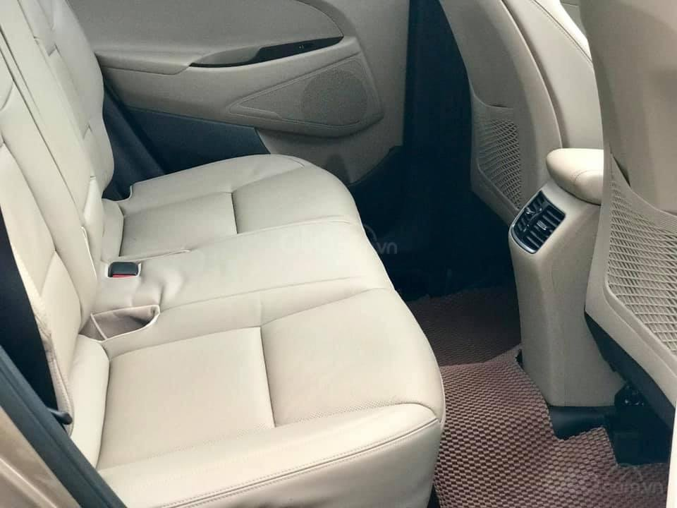 Cần bán xe Hyundai Tucson Full máy dầu đời 2017, màu nâu-5