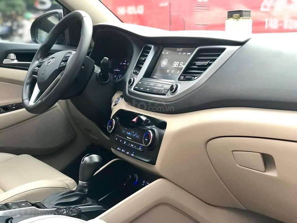 Cần bán xe Hyundai Tucson Full máy dầu đời 2017, màu nâu-4