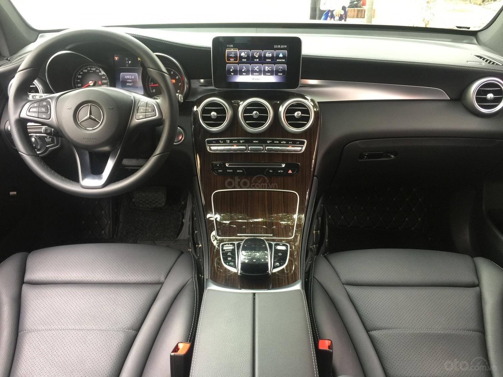 Bán ô tô Mercedes GLC 200 năm sản xuất 2018, màu trắng-7