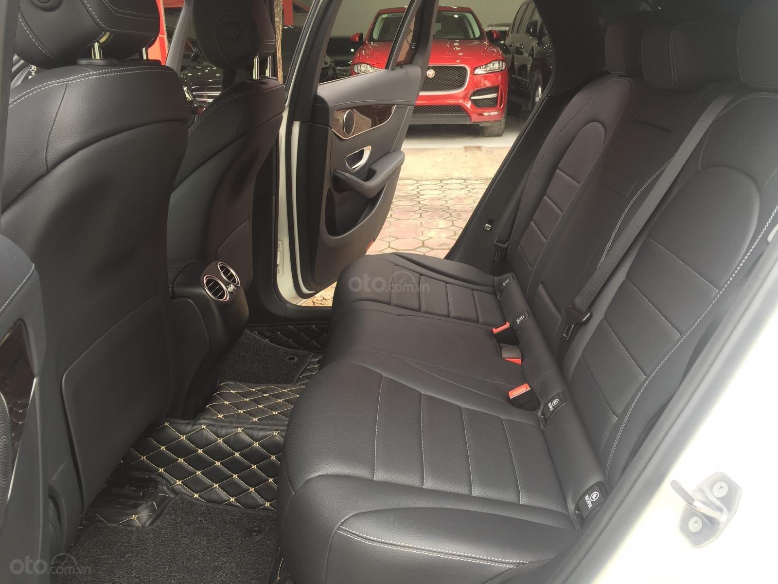 Bán ô tô Mercedes GLC 200 năm sản xuất 2018, màu trắng-10