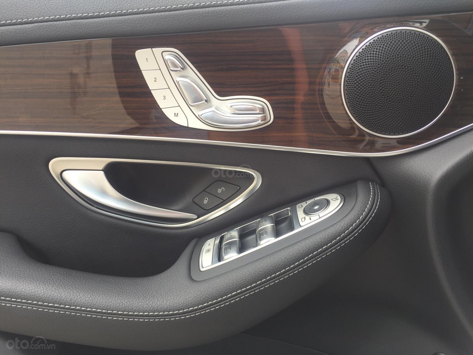 Bán ô tô Mercedes GLC 200 năm sản xuất 2018, màu trắng-11