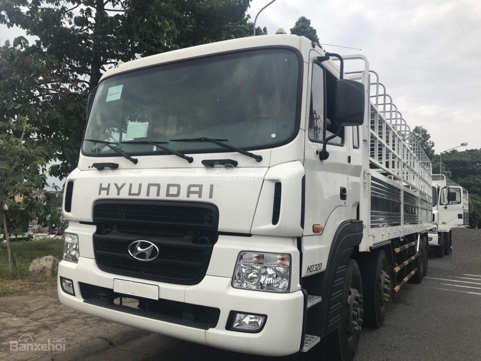 Bán Hyundai HD320 năm 2019, màu trắng, nhập khẩu-0