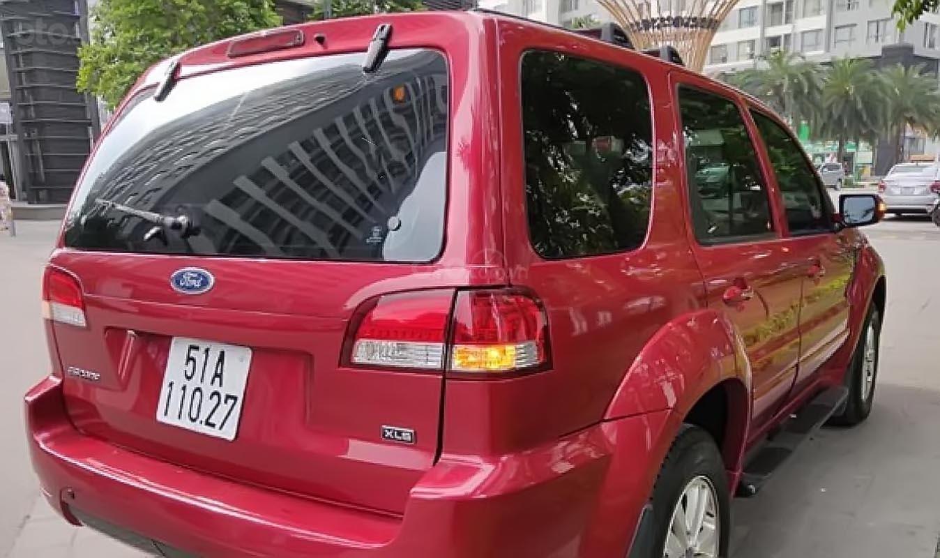 Cần bán lại xe Ford Escape XLS 2.3L 4x2 AT sản xuất năm 2011, màu đỏ  -1
