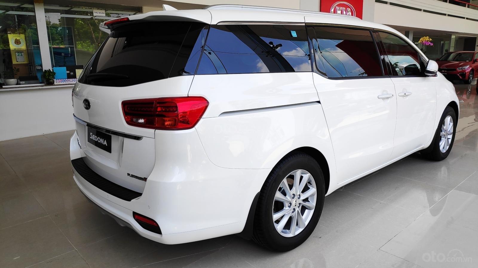 Kia Sedona Luxury - Giảm giá tiền mặt + Tặng bảo hiểm thân vỏ + Tặng camera - Liên hệ PKD Kia Thảo Điền 0961.563.593 (6)