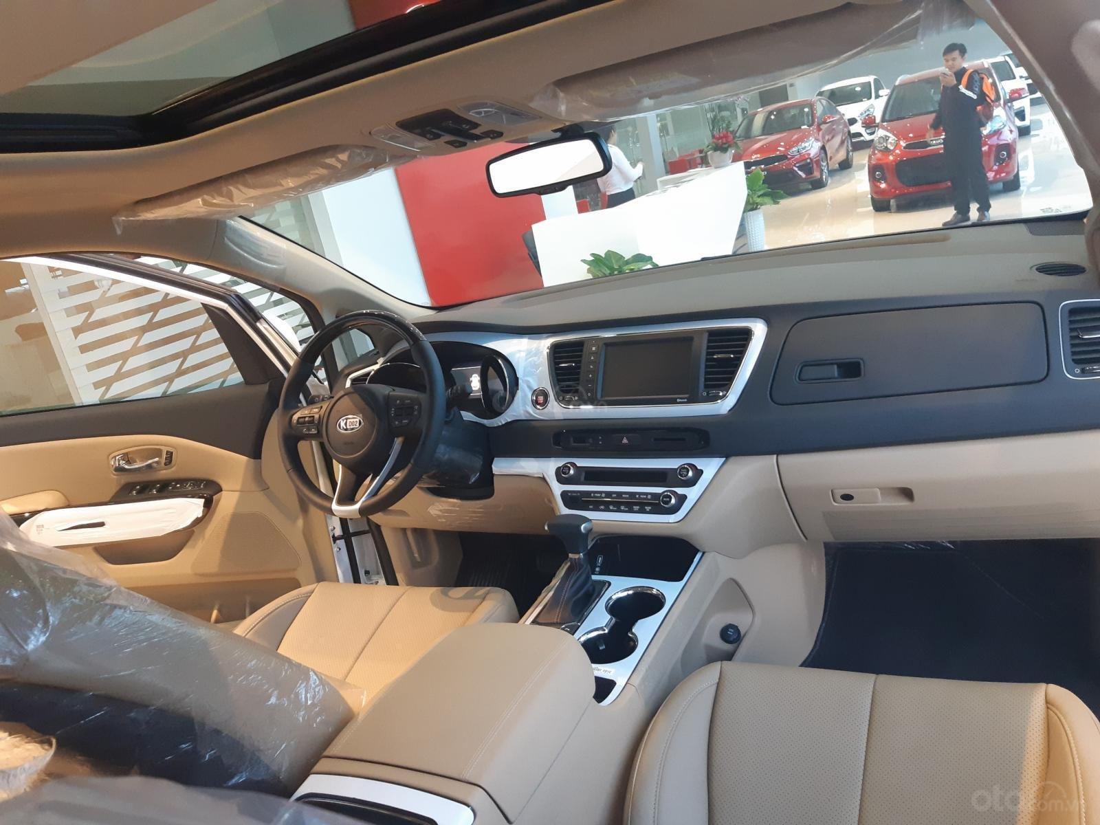 Kia Sedona Luxury - Giảm giá tiền mặt + Tặng bảo hiểm thân vỏ + Tặng camera - Liên hệ PKD Kia Thảo Điền 0961.563.593 (9)
