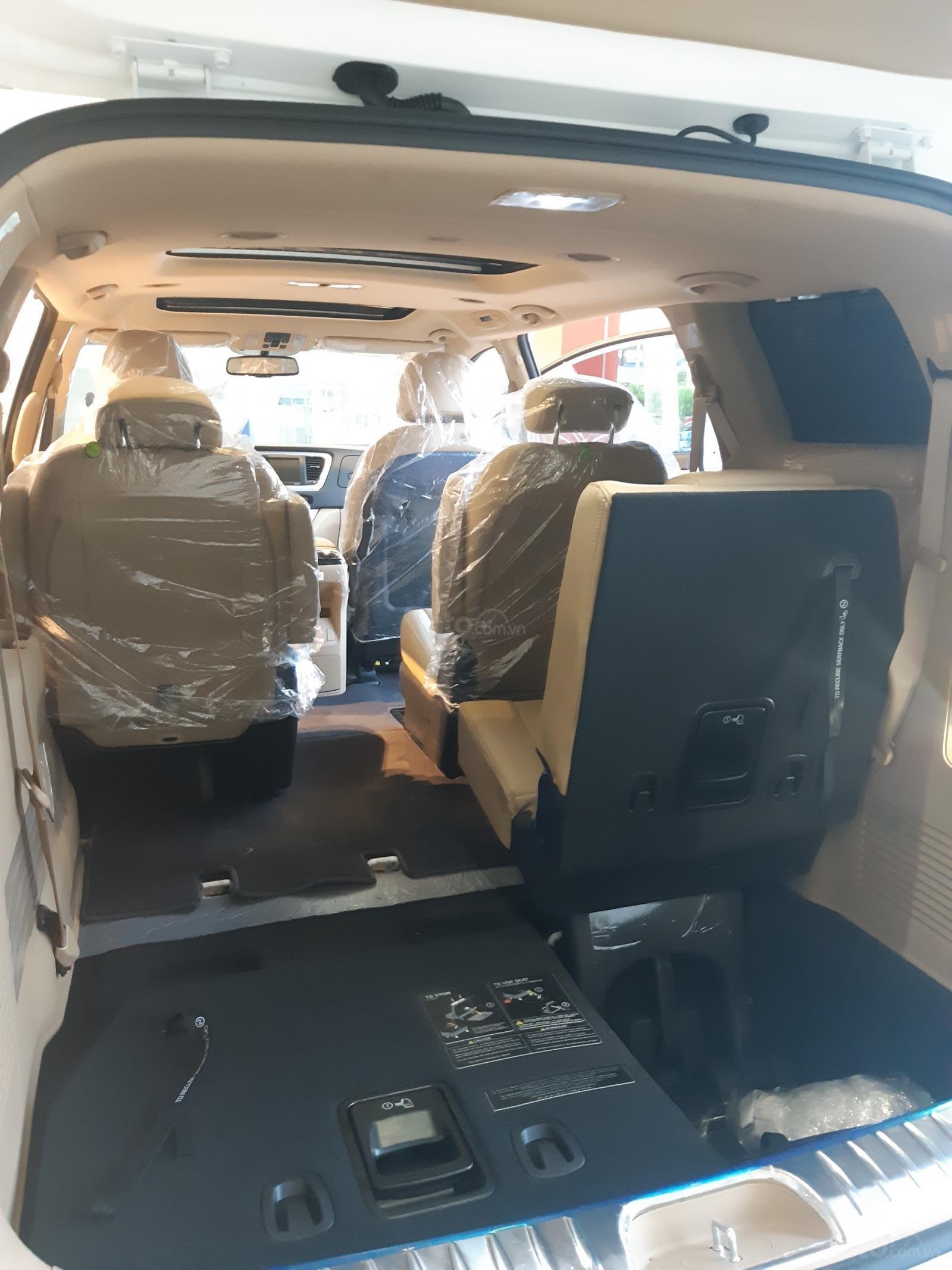 Kia Sedona Luxury - Giảm giá tiền mặt + Tặng bảo hiểm thân vỏ + Tặng camera - Liên hệ PKD Kia Thảo Điền 0961.563.593 (12)
