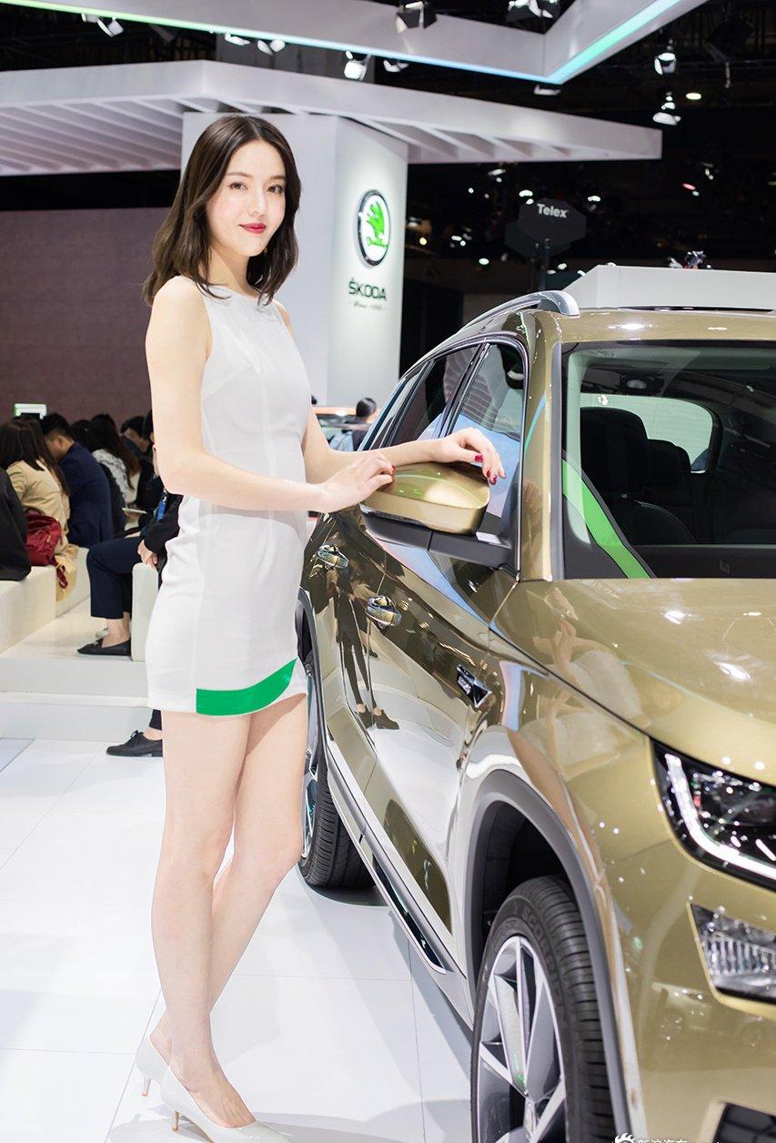 Ngắm người đẹp và xe tại triển lãm ô tô Thượng Hải 2019 - Ảnh a4