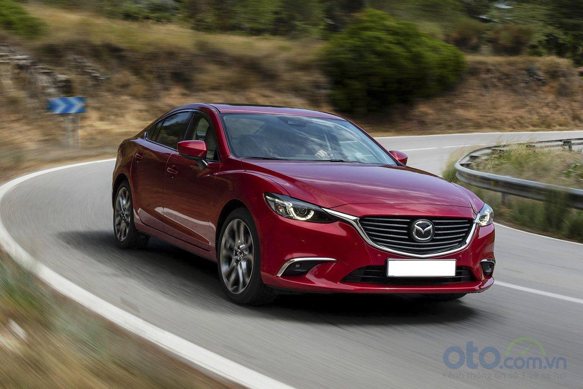 So sánh xe Mazda 6 Premium 2.5 2019: Vận hành 1.