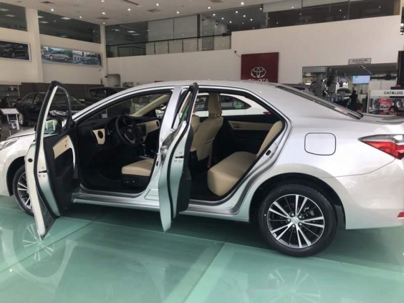 Bán xe Toyota Corolla Altis 1.8 đời 2019, màu bạc, giá tốt (1)