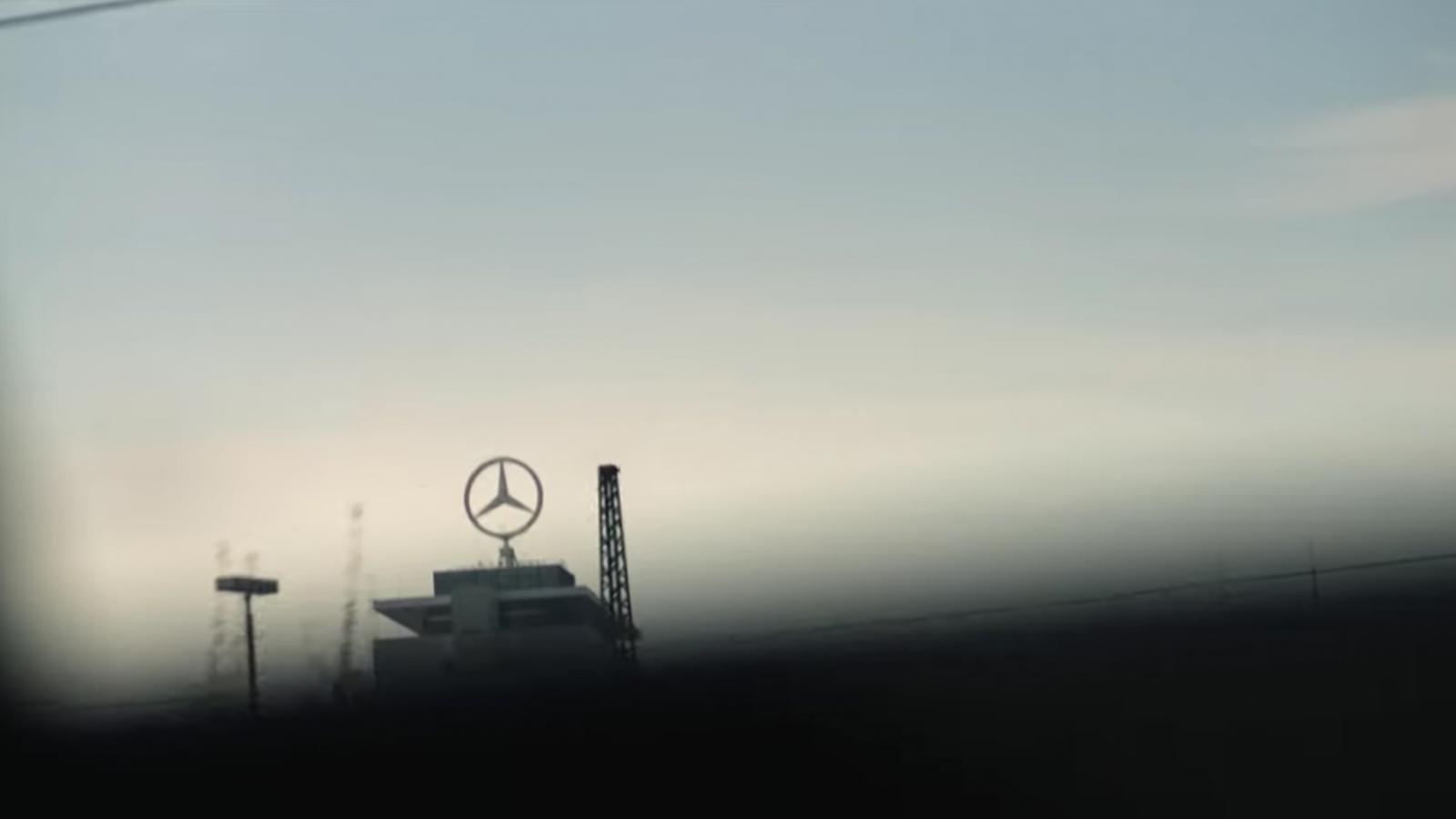 BMW tung video hài về ngày nghỉ hưu của cựu chủ tịch Mercedes-Benz a7