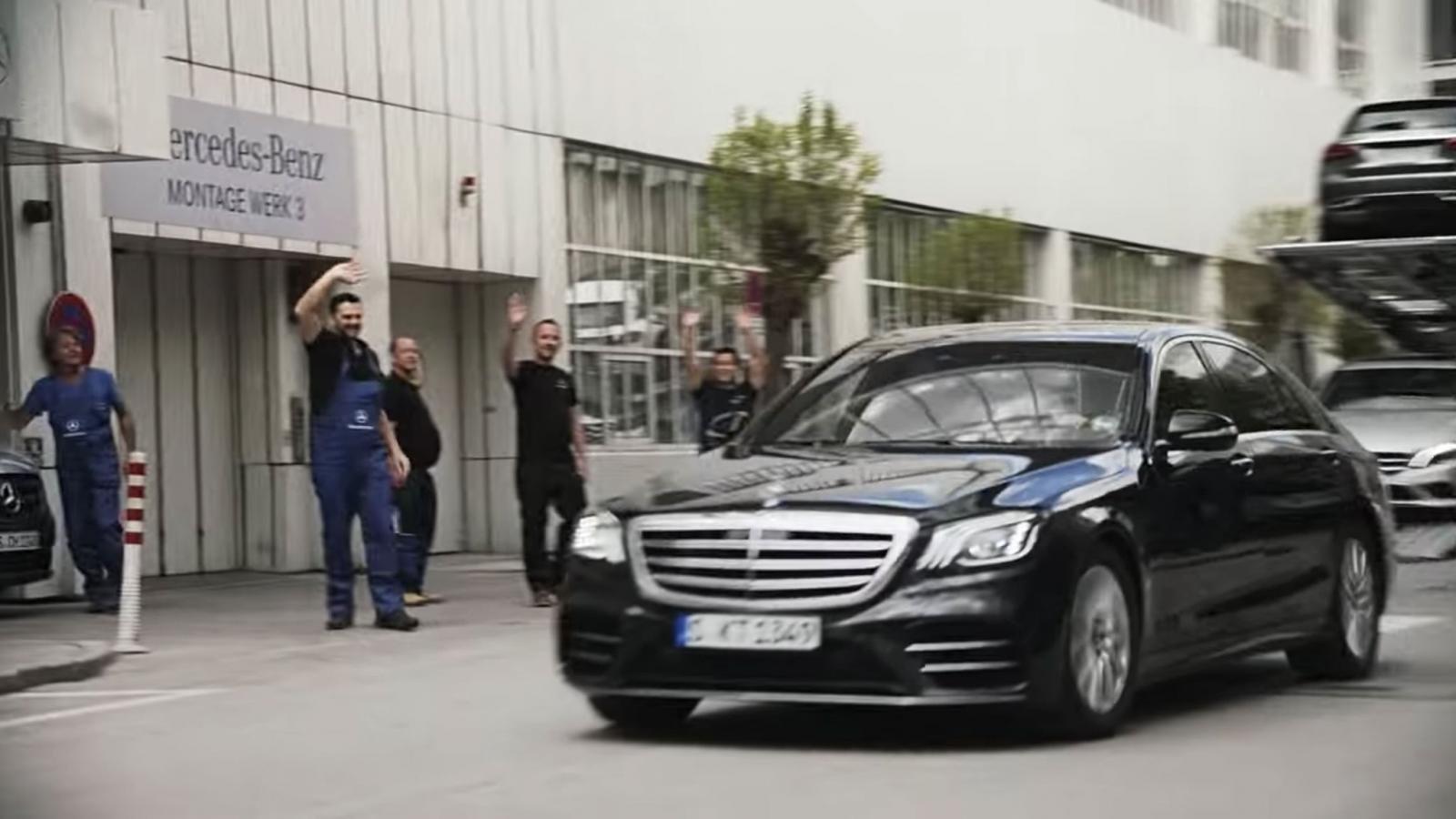 BMW tung video hài về ngày nghỉ hưu của cựu chủ tịch Mercedes-Benz a4