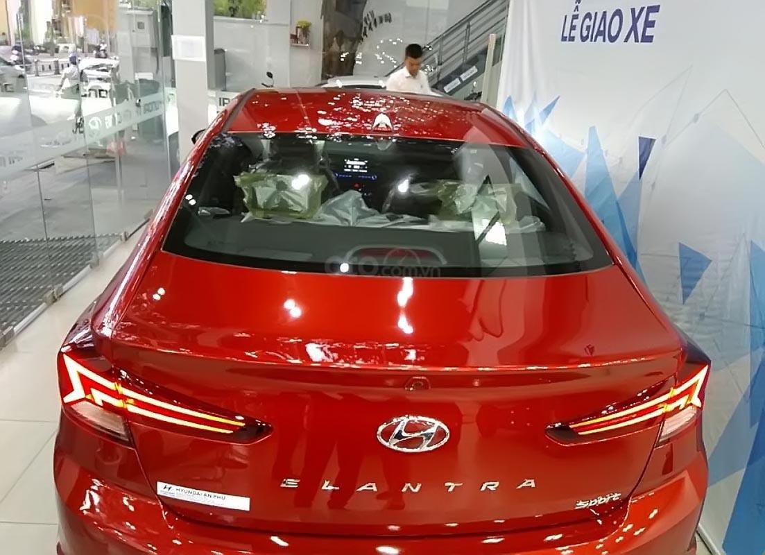 Bán xe Hyundai Elantra Sport 1.6 AT 2019, màu đỏ, 769 triệu-1