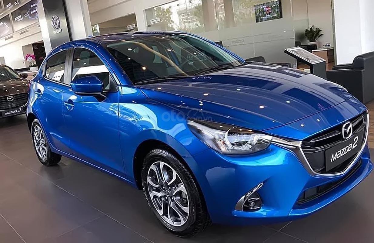 Bán Mazda 2 Premium đời 2019, màu xanh lam, xe nhập -1