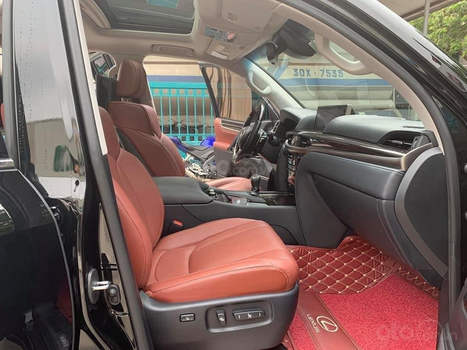 """Bán Lexus LX570 2018 siêu lướt xứng danh """"Chuyên cơ mặt đất"""" Trên tầm đẳng cấp-Tráng lệ và đầy mạnh mẽ (10)"""