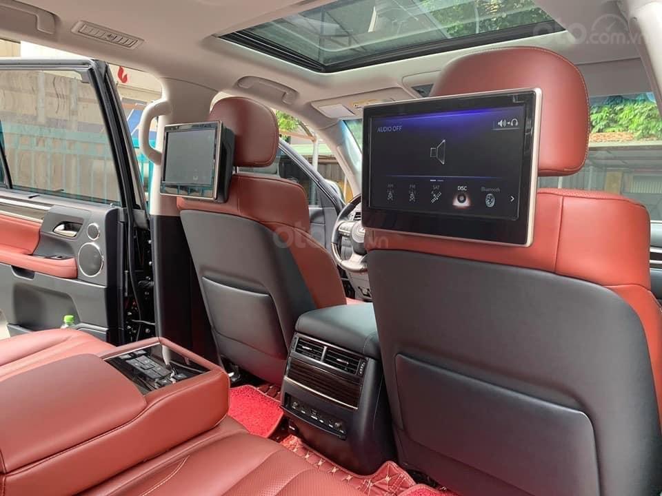 """Bán Lexus LX570 2018 siêu lướt xứng danh """"Chuyên cơ mặt đất"""" Trên tầm đẳng cấp-Tráng lệ và đầy mạnh mẽ (12)"""