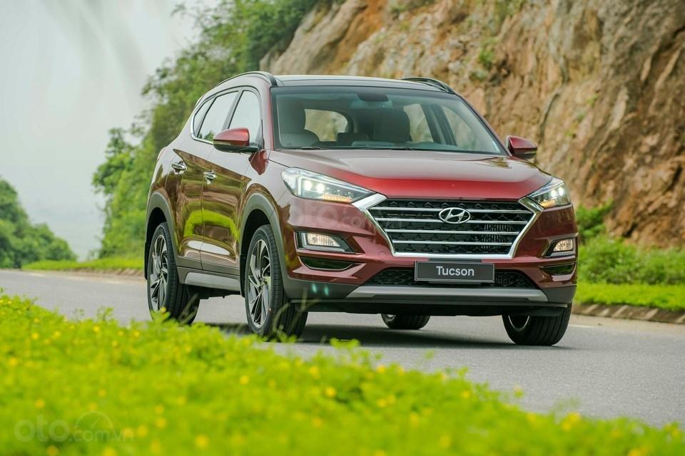 Bán Hyundai Tucson 2019 giao ngay, giá cực tốt, KM cực cao, trả góp 90%, liên hệ ngay 0901078111 để ép giá-0