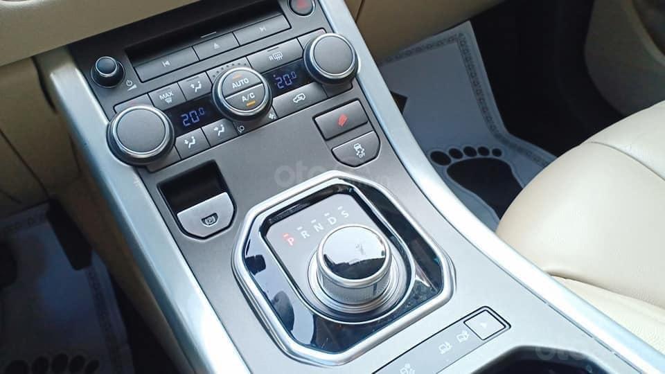 Cần bán LandRover Evoque đời 2015, màu scotia grey, nhập khẩu nguyên chiếc-5
