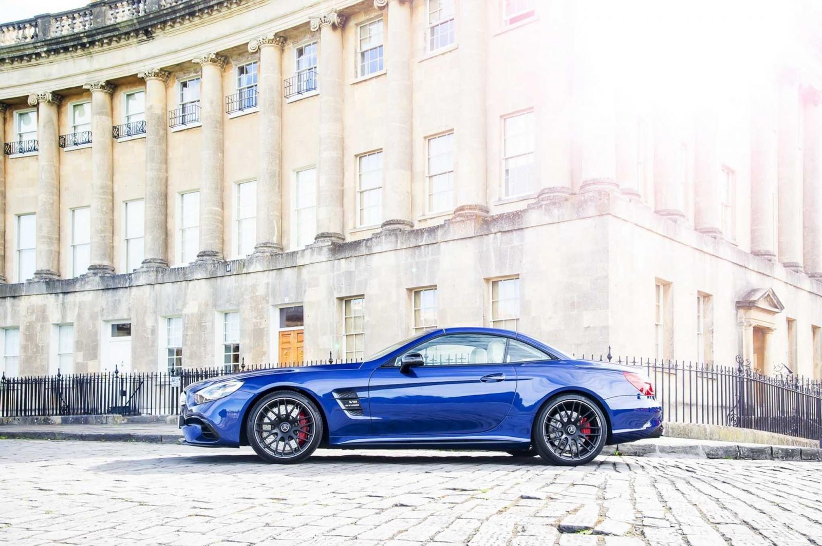 Mercedes-AMG sẽ ngừng sản xuất xe mui trần SL 63 7