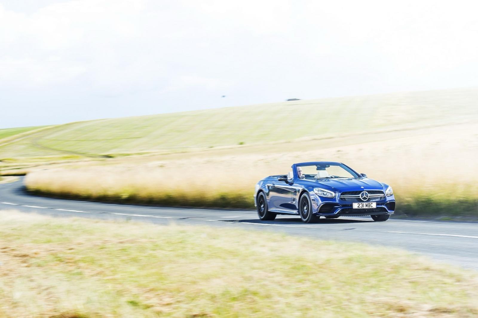 Mercedes-AMG sẽ ngừng sản xuất xe mui trần SL 63 12