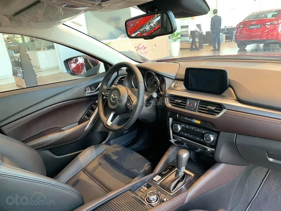 Bán Mazda 6 2.0 Facelift 2019, tặng gói khuyến mại bảo dưỡng đến cấp 50.000km - Trả góp 90% - Hotline: 0973560137 (6)