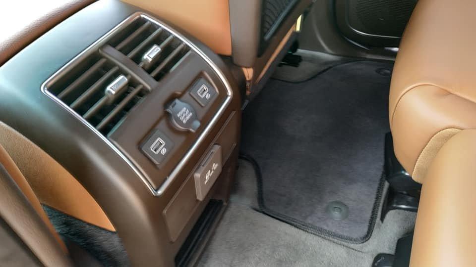Lột trần nội thất xe SUV VinFast LUX SA2.0, ghế gập phẳng hoàn toàn a5
