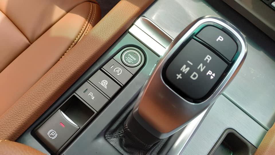 Lột trần nội thất xe SUV VinFast LUX SA2.0, ghế gập phẳng hoàn toàn a4