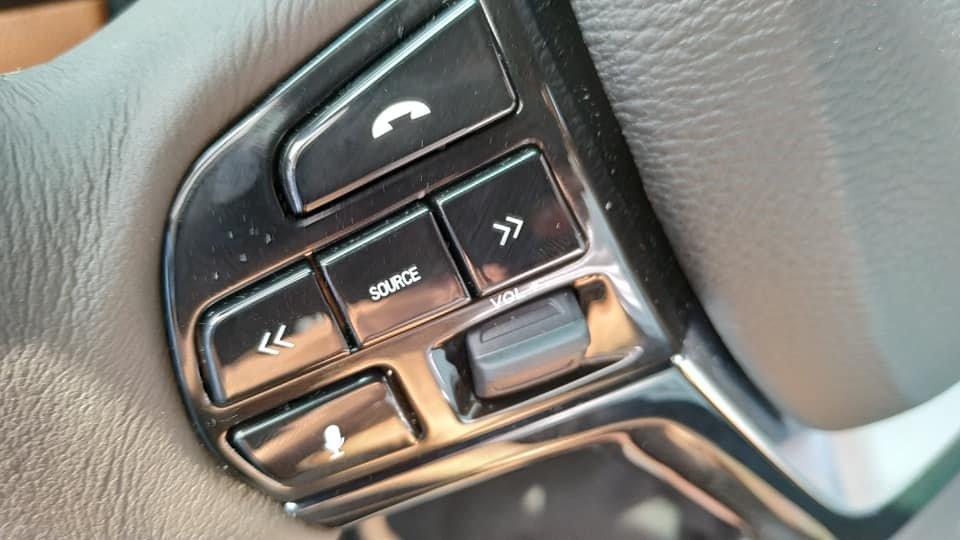 Lột trần nội thất xe SUV VinFast LUX SA2.0, ghế gập phẳng hoàn toàn 1